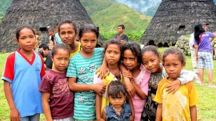 kampung adat wae rebo