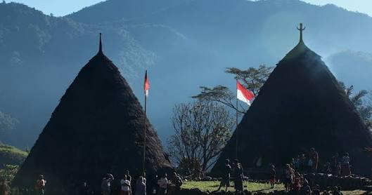 deskripsi kampung wae rebo